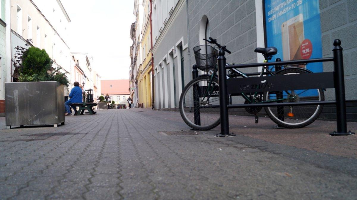 Montaż Stojaków Rowerowych 2018 Miasto Leszno